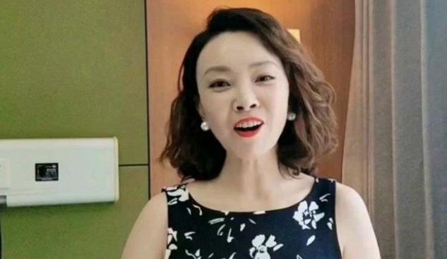 张嘉译与刘威葳的关系揭秘 张嘉译的现任老婆是谁